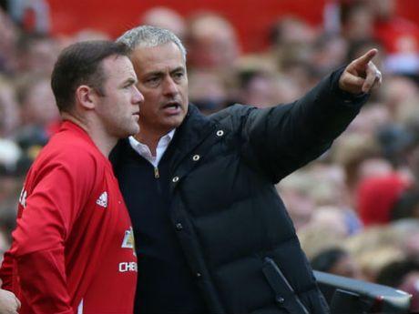Soc: Mourinho choi bai ngua, khuyen Rooney roi MU - Anh 1