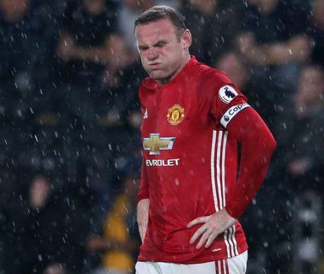 Soc: Mourinho choi bai ngua, khuyen Rooney roi MU - Anh 2