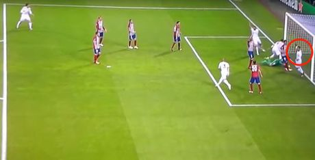 Su that vu Ronaldo to Morata ghi ban trong the viet vi - Anh 2