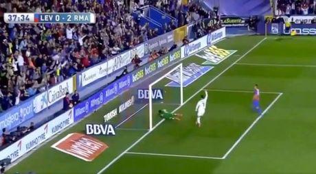 Su that vu Ronaldo to Morata ghi ban trong the viet vi - Anh 3