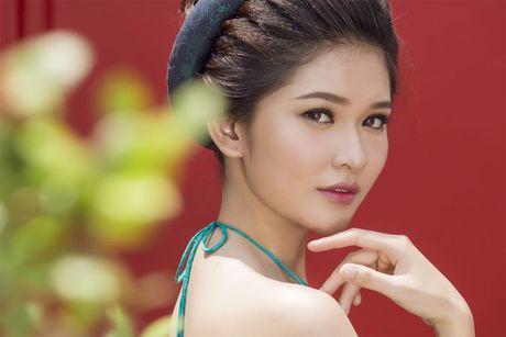 Ngam 'co Tam' cua Hoa hau Viet Nam trong ao dai truyen thong - Anh 10