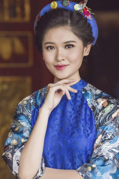 Ngam 'co Tam' cua Hoa hau Viet Nam trong ao dai truyen thong - Anh 16