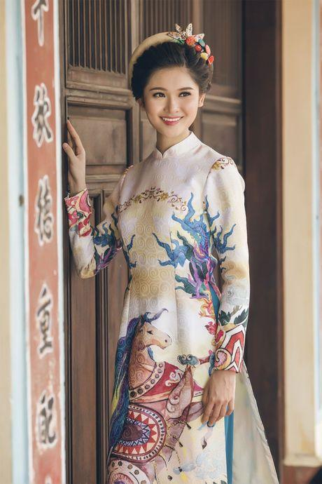 Ngam 'co Tam' cua Hoa hau Viet Nam trong ao dai truyen thong - Anh 3