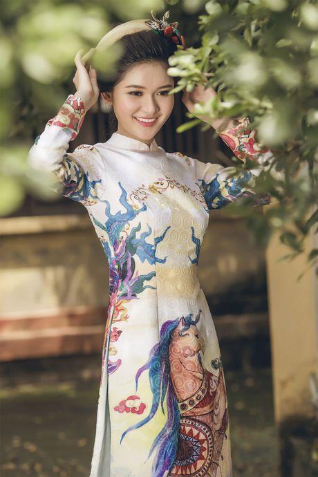 Ngam 'co Tam' cua Hoa hau Viet Nam trong ao dai truyen thong - Anh 5