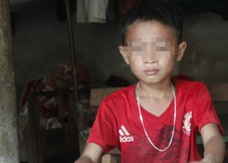 Tam dinh chi giao vien dung thuoc go danh hoc sinh bam dui - Anh 1