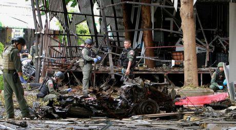 Danh bom o Thai, 1 nguoi chet, 19 bi thuong - Anh 1