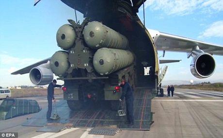 S-300, S-400 Nga 'xoi nuoc lanh' vao nhung cai dau nong ve Syria - Anh 2