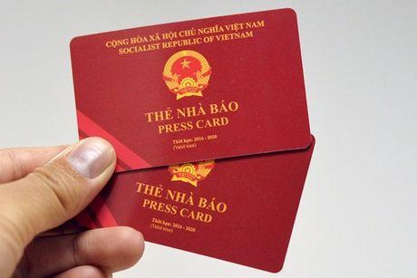 Bo TT&TT lay y kien ve quy dinh cap, cap lai, doi, thu hoi the Nha bao - Anh 1