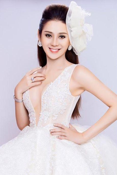 Lam Khanh Chi up mo yeu dai gia sau khi chia tay tinh tre 6 mui - Anh 2