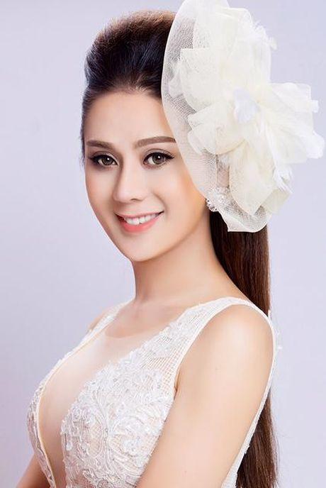 Lam Khanh Chi up mo yeu dai gia sau khi chia tay tinh tre 6 mui - Anh 4