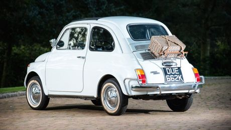 Loat xe 'khung' sap duoc hoang gia Anh ban dau gia - Anh 12