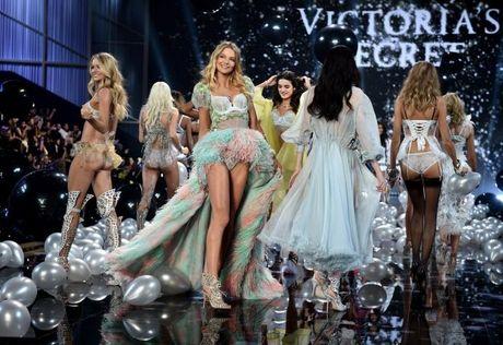 Victoria's Secret 'nha hang' 3 ban phac thao cuc dep cho show dien 2016 tai Paris - Anh 1