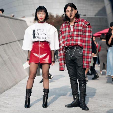 Chiem nguong loat xu huong thoi trang cuc chat tai Seoul Fashion Week - Anh 13