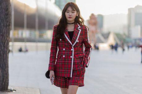 Chiem nguong loat xu huong thoi trang cuc chat tai Seoul Fashion Week - Anh 14