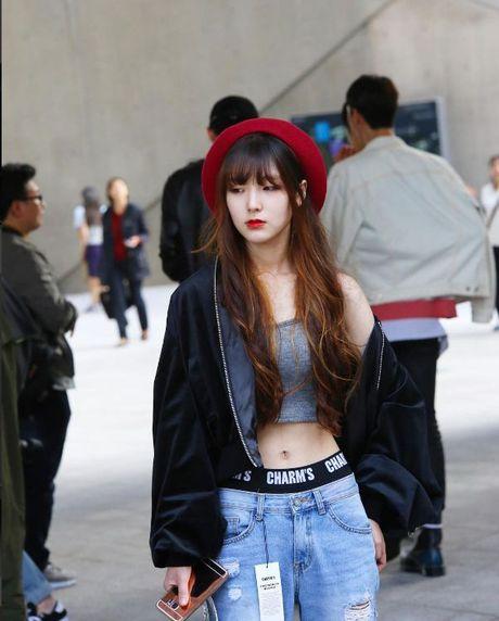 Chiem nguong loat xu huong thoi trang cuc chat tai Seoul Fashion Week - Anh 18