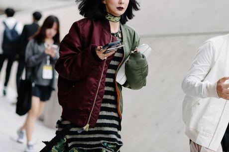 Chiem nguong loat xu huong thoi trang cuc chat tai Seoul Fashion Week - Anh 6