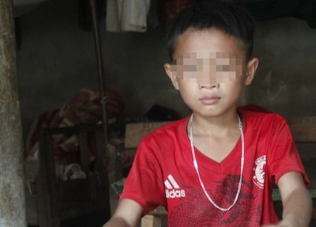 Nghe An: Thay giao danh hoc sinh nhap vien bi dinh chi cong tac - Anh 1