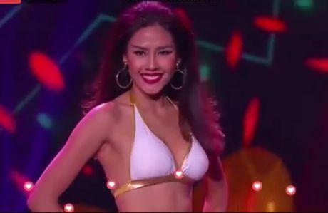 Nguyen Thi Loan trinh dien bikini xuat sac tai Hoa hau Hoa binh quoc te - Anh 1