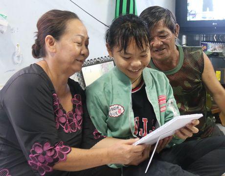 Chang trai cut chan 'don tim' co nu sinh bang vong co 'Anh kho nhieu roi' - Anh 1