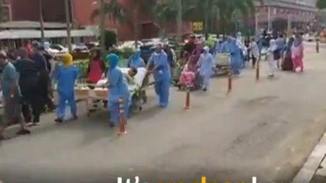 Malaysia: Chay benh vien, 6 benh nhan thiet mang - Anh 2