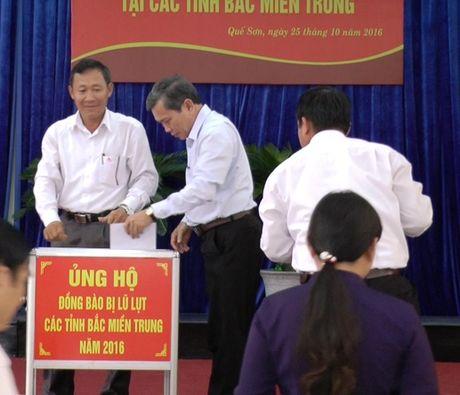 Que Son: 258 trieu dong ung ho dong bao lu lut - Anh 1