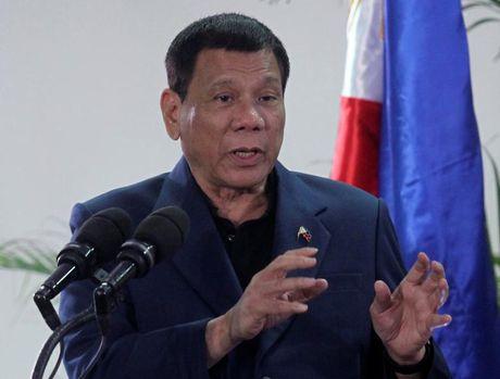 TT Duterte xoa diu cang thang voi My truoc chuyen tham Nhat - Anh 1