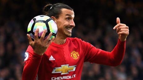 'Ibrahimovic khong xung dang khoac ao MU' - Anh 1