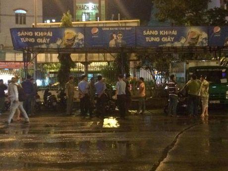 Bat nghi can no sung nao dong Ben xe Mien Dong - Anh 1