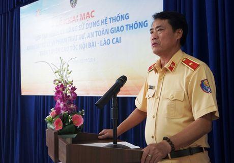 Sap phat 'nguoi' tren cao toc Noi Bai – Lao Cai - Anh 1