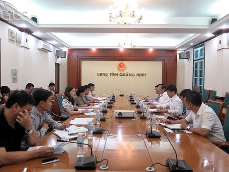 Tong cuc truong Nguyen Van Tuan lam viec voi UBND tinh Quang Ninh - Anh 1
