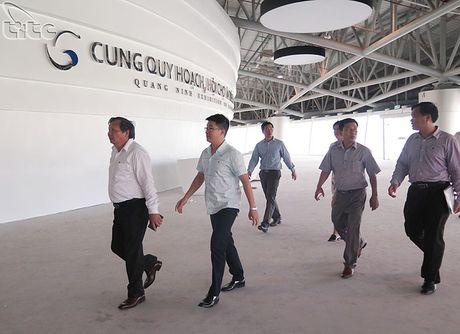 Tong cuc truong Nguyen Van Tuan lam viec voi UBND tinh Quang Ninh - Anh 5
