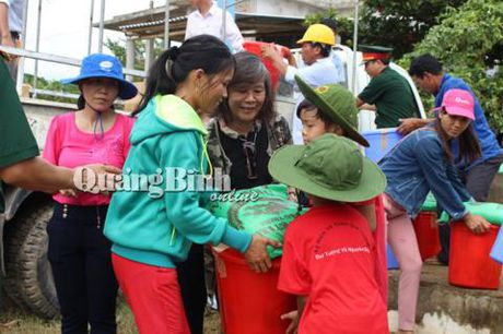 Gia dinh Dai tuong Vo Nguyen Giap cuu tro vung lu que nha Quang Binh - Anh 6