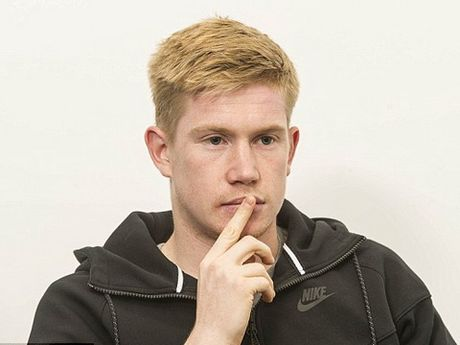 De Bruyne: 'Guardiola dang di dung huong, tai sao phai thay doi?' - Anh 1