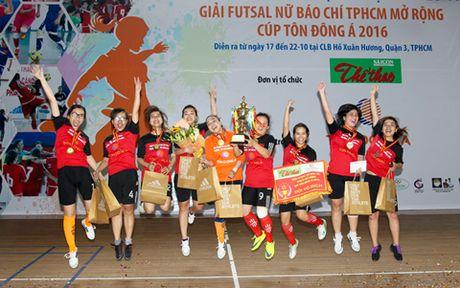 Giai Futsal nu Bao chi TP.HCM mo rong 2016: Cup 'dai' khach moi - Anh 1
