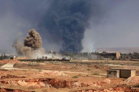 Thanh pho Aleppo lai rung chuyen boi giao tranh - Anh 1
