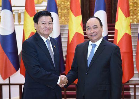 Thu tuong Nguyen Xuan Phuc hoi dam voi Thu tuong Lao - Anh 1