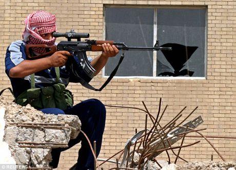 'Xa thu Mosul' ban guc dao phu IS dang chuan bi chat dau nan nhan - Anh 1