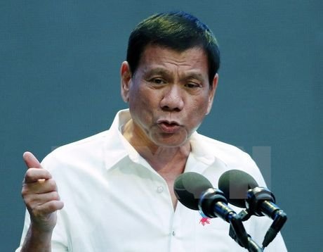Tong thong Duterte muon binh sy My roi Philippines trong 2 nam toi - Anh 1