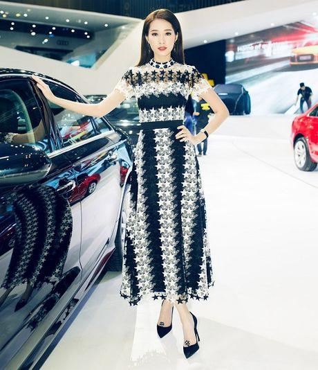 Hoa hau Thu Thao quyet 'do sac' Thanh Hang tai su kien - Anh 2