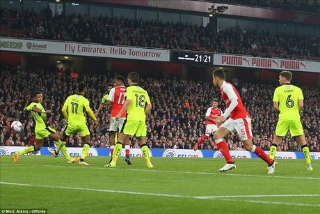 Arsenal 2-0 Reading: Minh Oxlade-Chamberlain la du - Anh 3