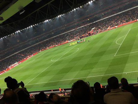 Sao tre lap cu dup nho tien dao kien thiet, Arsenal vao tu ket Cup Lien Doan - Anh 1
