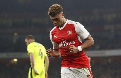 Sao tre lap cu dup nho tien dao kien thiet, Arsenal vao tu ket Cup Lien Doan - Anh 3