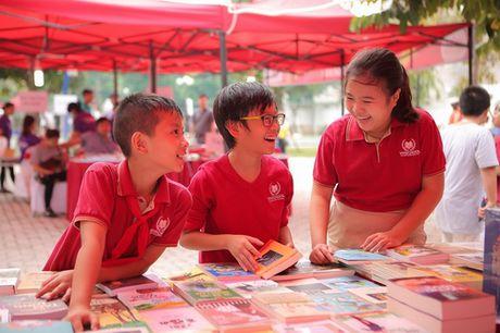 Vinschool Book Fair 2016: Lam ban cung sach - Anh 1