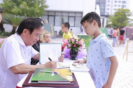 Vinschool Book Fair 2016: Lam ban cung sach - Anh 6