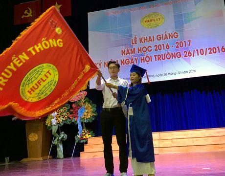 Truong DH Ngoai ngu - Tin hoc TPHCM khai giang nam hoc moi - Anh 2