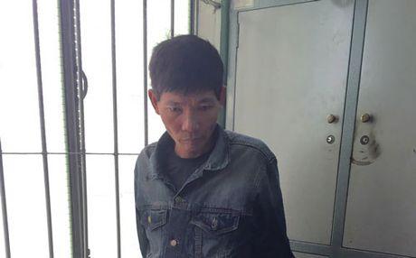 Bat duoc doi tuong no sung truy sat tai ben xe Mien Dong - Anh 1