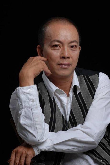 San khau kich Viet Nam: Co nghe si phai di ban hang de dam bao cuoc song - Anh 2