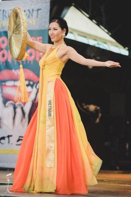 Nguyen Thi Loan ngam ngui dung chan o Top 20 Hoa hau Hoa binh the gioi 2016 - Anh 6