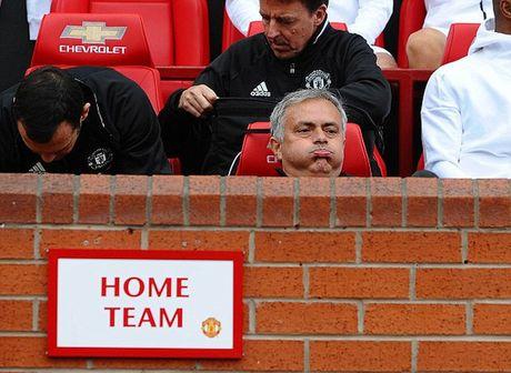 Guardiola se dung doi hinh 2 de lam be mat Mourinho - Anh 4