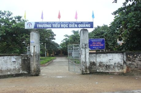 Co tro truong TH Dien Quang 7 nam hoc trong mui thuoc sau nong nac - Anh 1